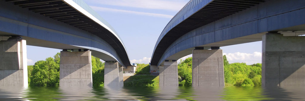 Aging American infrastructure caused the Mississippi Bridge collapse